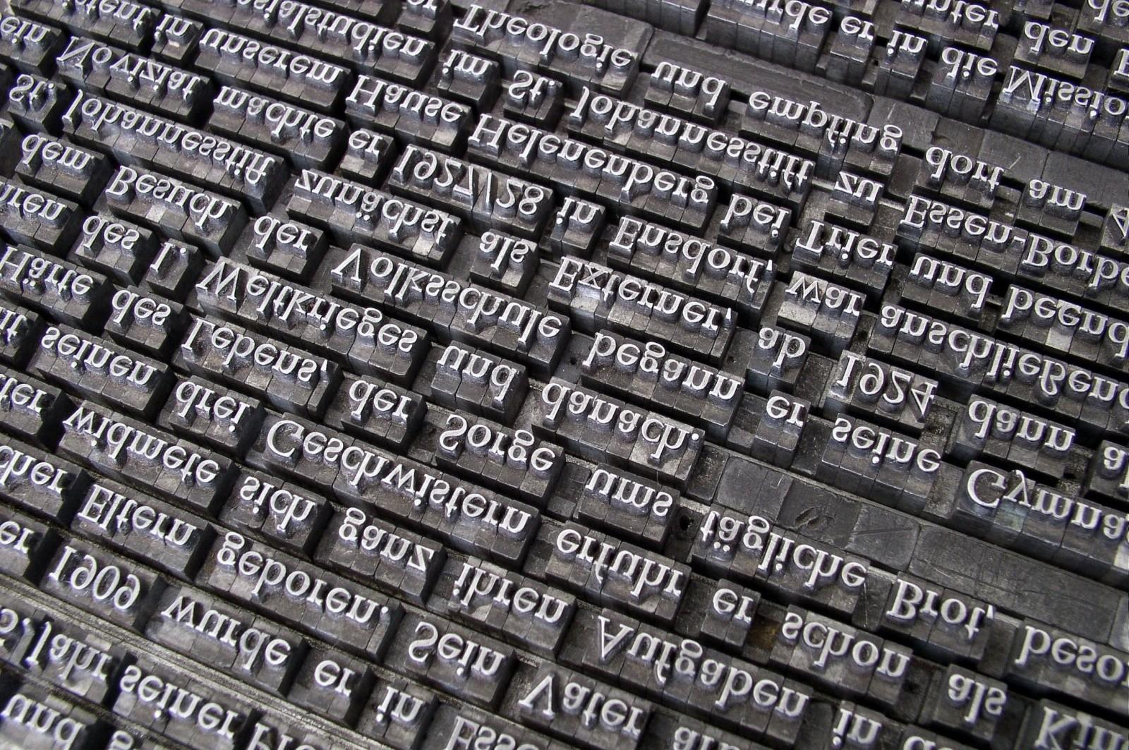 font-lead-set-book-printing-gutenberg-letters