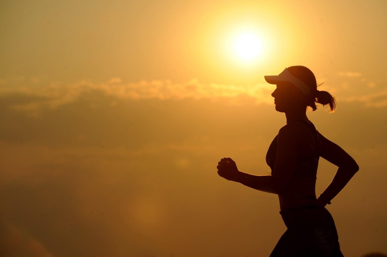 running-runner-long-distance-fitness-female