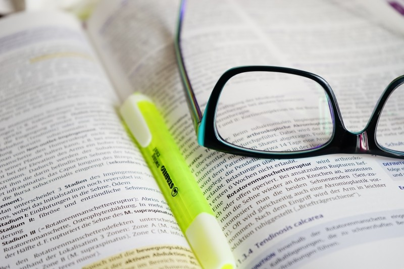 glasses-read-learn-book-text-highlighter-pen