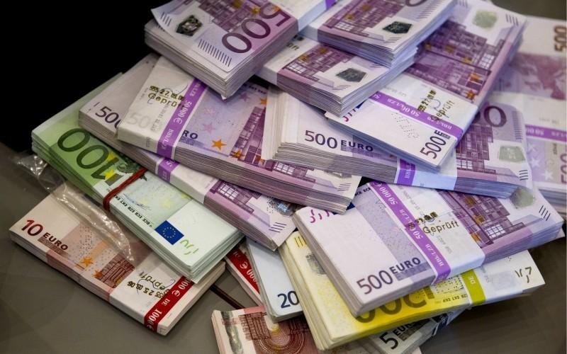 money-euro-cash-currency-bill